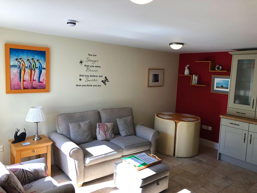 cottage - lounge - sofa - art