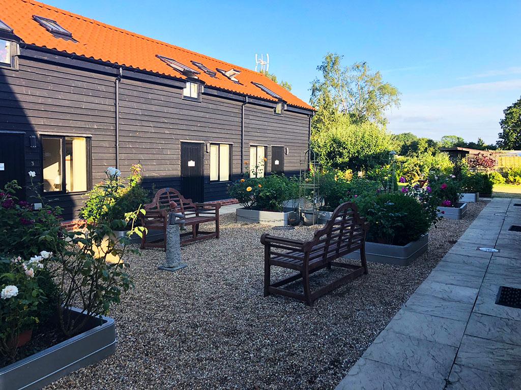courtyard - patio - accomodation
